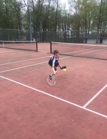 Kylie and Korbin Tucker learn tennis